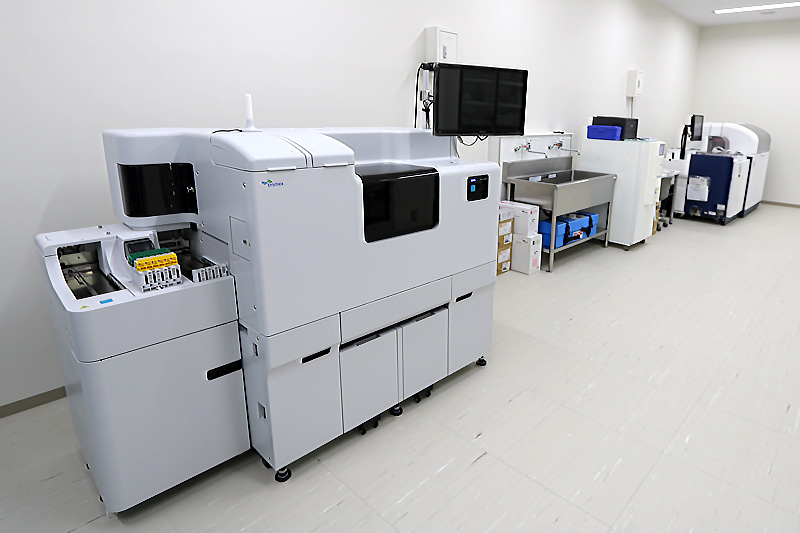 肝炎検査機器
